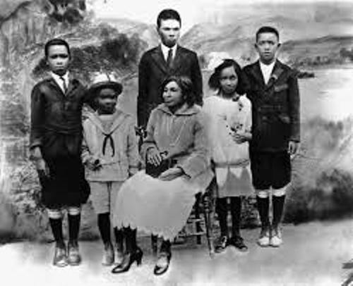 Jackie Robinson with family