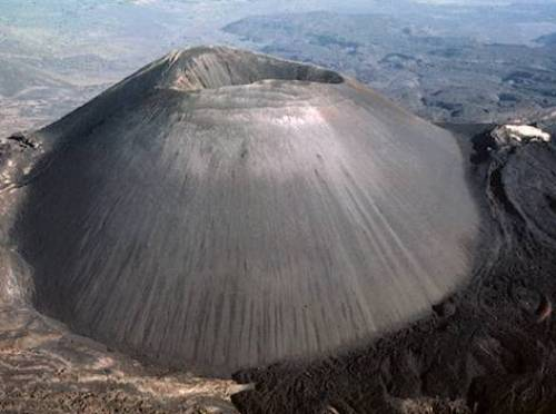 Cinder Cone Volcanoe1 10 Interesting Cinder Cone Volcanoes Facts