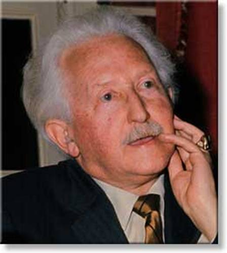 erick eriksons theory of stages Erik erikson was a psychoanalyst from the united states who developed a widely  accepted theory of personality development even though he.