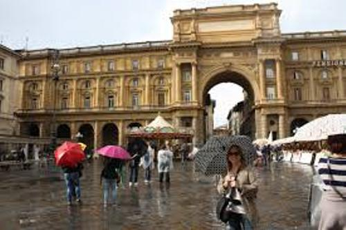 Florence Italy Tourists