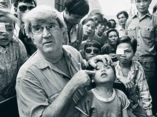 Fred Hollows and Kids
