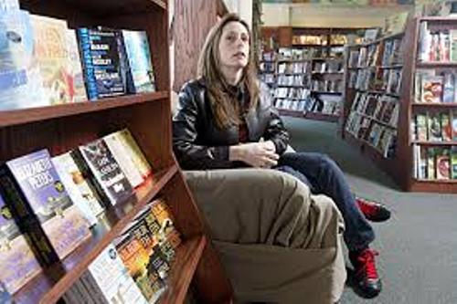 Laurie Halse Anderson Image