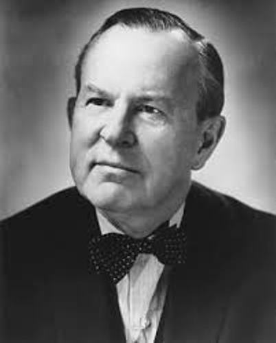 lester b pearson essay Lester b pearson born 23 of april 1897 died 27 of december 1972 lester b pearson was one of the greatest canadians ever during his life, he was a profes.