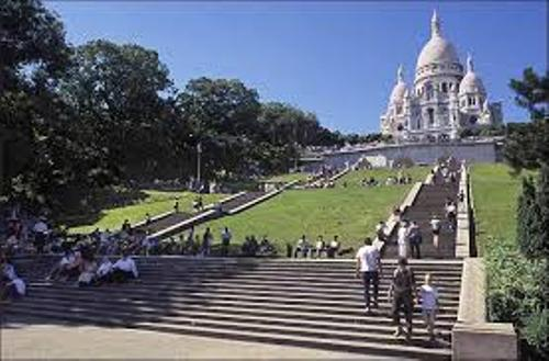 Sacre-Coeur Facts