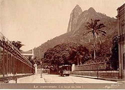 the statue in rio history