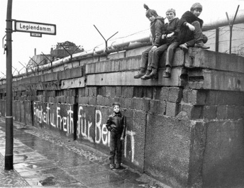 10 interesting berlin wall facts