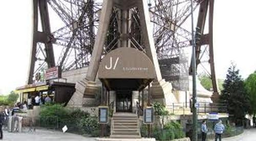 Eiffel Tower Resto
