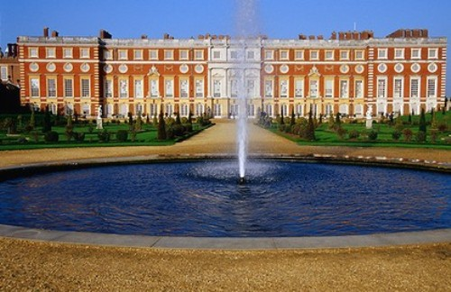 Hampton Court Palace Look