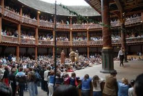 Globe Theatre Audiences