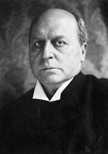 Henry James  face