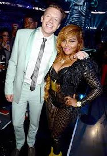 Macklemore and Lil' Kim