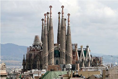 the sagrada familia facts