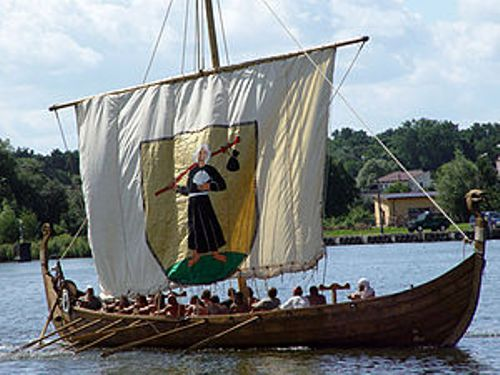 Facts about Viking Longship