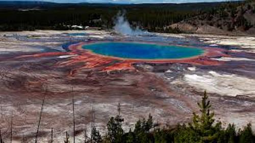 Yellowstone Volcano Pic